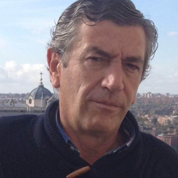 Doctor Antonio Bajo Oftalmologo en Clínica Bajo-Castro en Oviedo